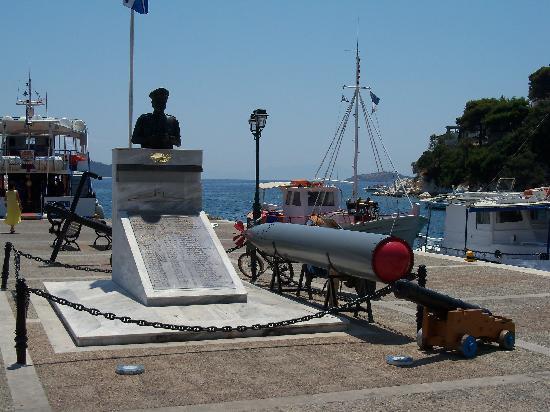 La Luna Hotel: Pier that featured in the Movie Mamma mia