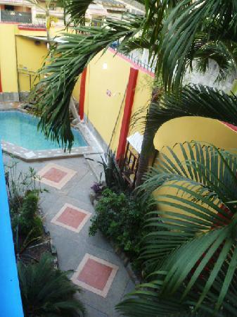 DreamKapture Hostel: Passage way inside
