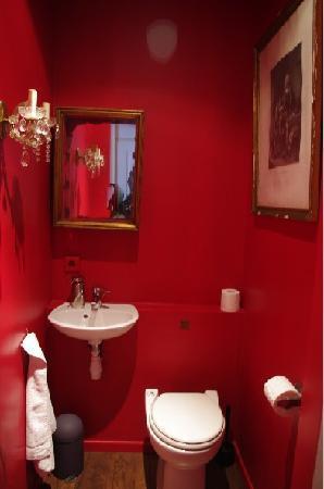 La Pension Edelweiss: our bathroom