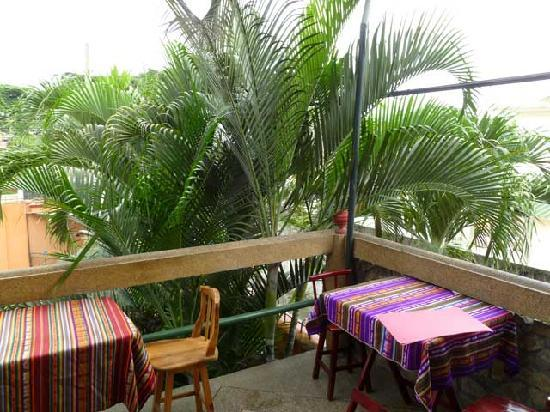 DreamKapture Hostel: Breakfast Balcony