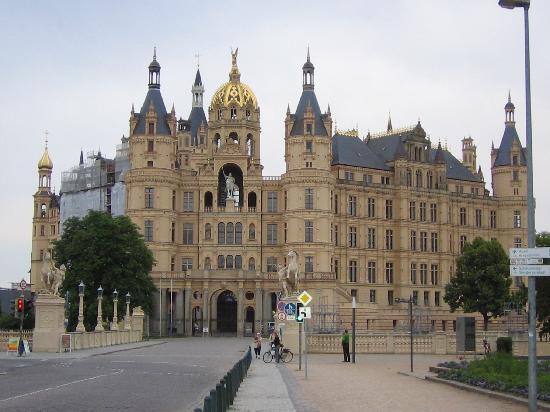 Hotel Amadeus: Schwerin Castle