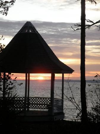Four Seasons Retreat: One of the beautiful sunsets there