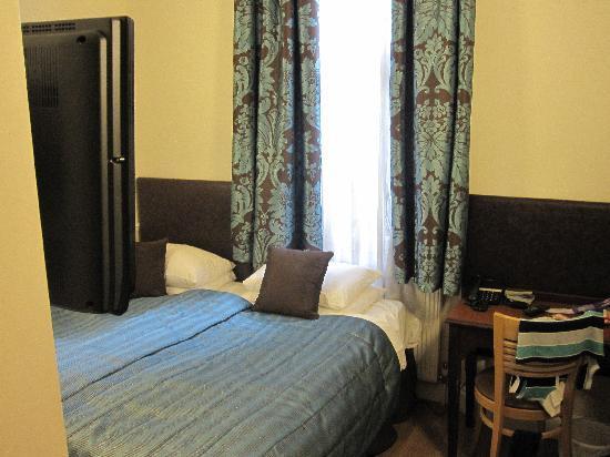 โรงแรมโรดส์: Room 1
