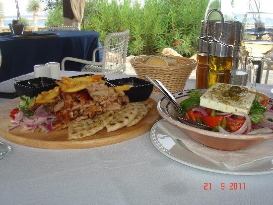 AquaGrand Exclusive Deluxe Resort: Lunch.....