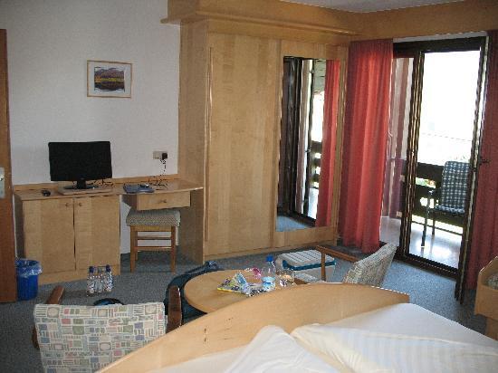 Haus Stampfer: Top floor room.