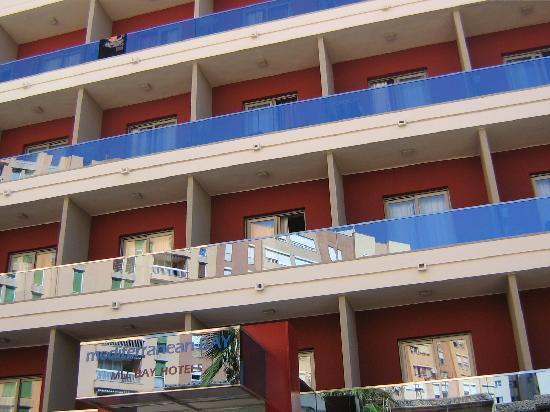 Mediterranean Bay Hotel: lato albergo