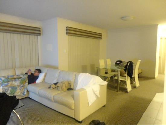 Verandah Apartments Perth: living room.. Loved the sofas!