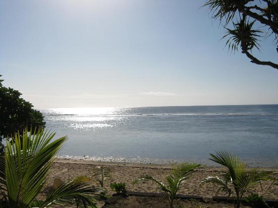 Vakaloa Beach Resort: Beach at low tide