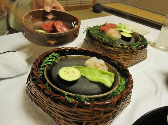 ยะกิวโนะโช: the meat and lobster course