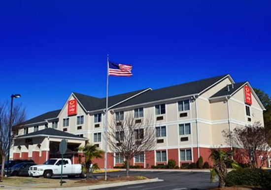 Econo Lodge Inn & Suites: Main Property Photo