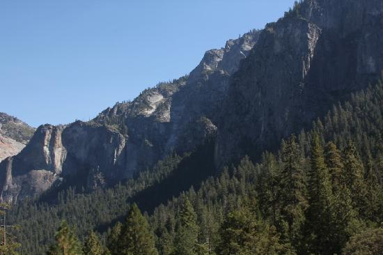 Tunnel View: The Southern Half of the Valley.