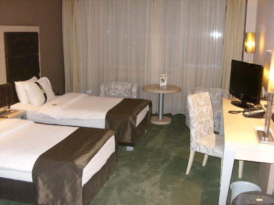Holiday Inn Belgrade: Zimmer