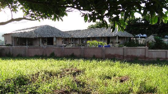 Casa De Olas: View of Building from the street