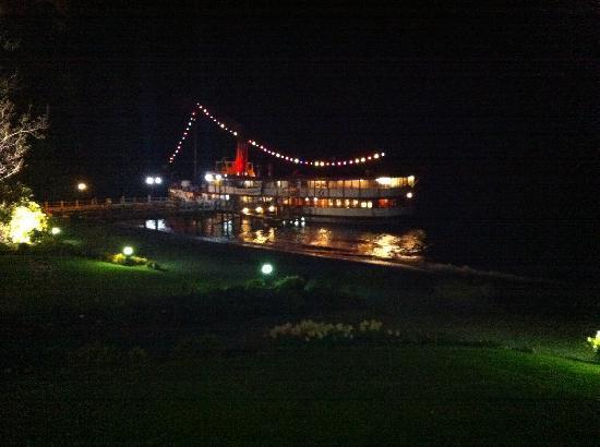 Real Journeys - TSS Earnslaw Vintage Steamship Cruises: TSS Earnslaw at night