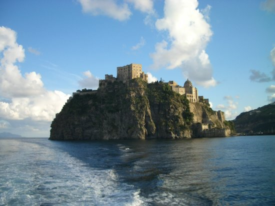 What to do and see in Ischia, Italy: The Best Places and Tips