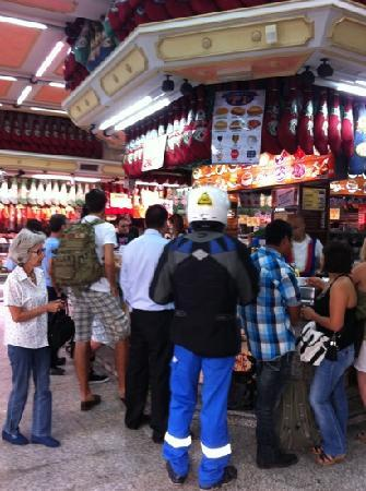 Museo del Jamon: downstairs locals eating around the bar