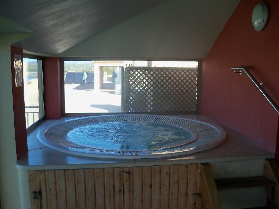 Cabanas Resort Park: Rooftop Jacuzzi