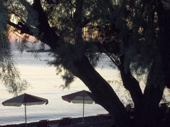 Marilena Hotel: Beach