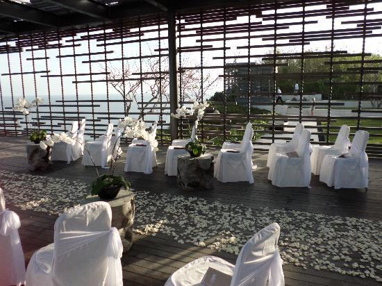 อลีลา วิลล่าส์ อูลูวาตู: Ceremony venue