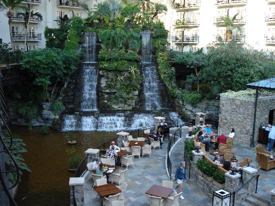 Gaylord Opryland Resort & Convention Center: The Falls at The Fall Restaurant