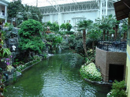 Gaylord Opryland Resort & Convention Center: A place for a boat cruise