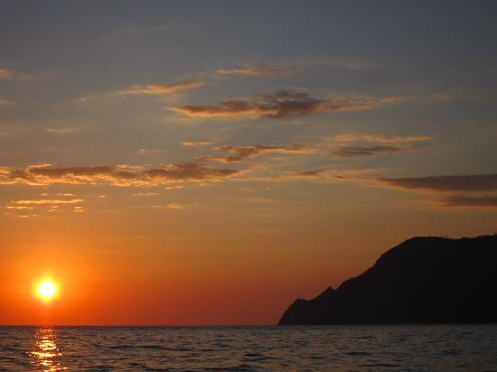 Angelo's Boat Tours: Sunset Cruise