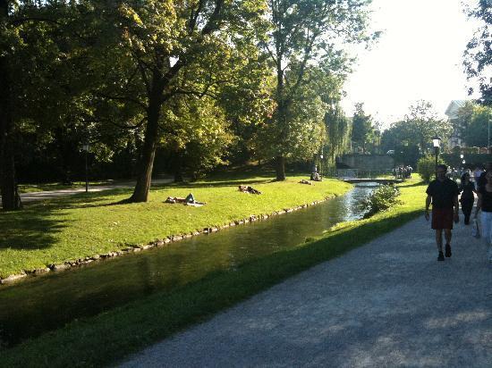 อิงลิชการ์เดน: Englischer Garten