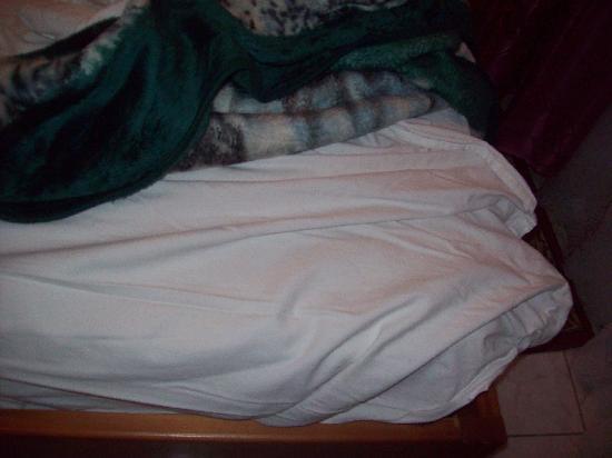 Hotel Grand Adghir: lit pas fait