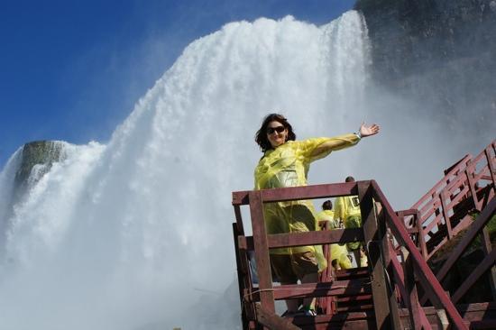 ถ้ำแห่งสายลม: great views of the falls