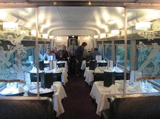 VIA Rail Canada: Dining Car