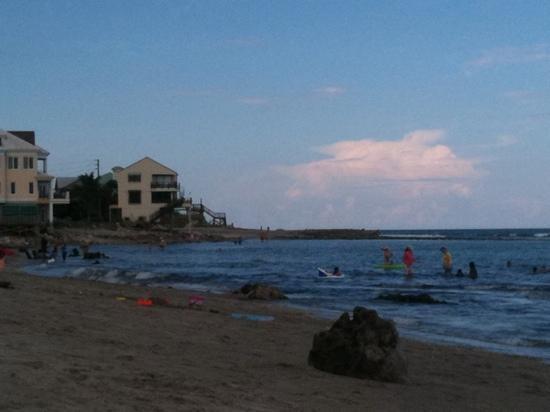 Bathtub Reef Beach: great family beach