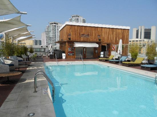 Hyatt Centric The Pike Long Beach: rooftop pool