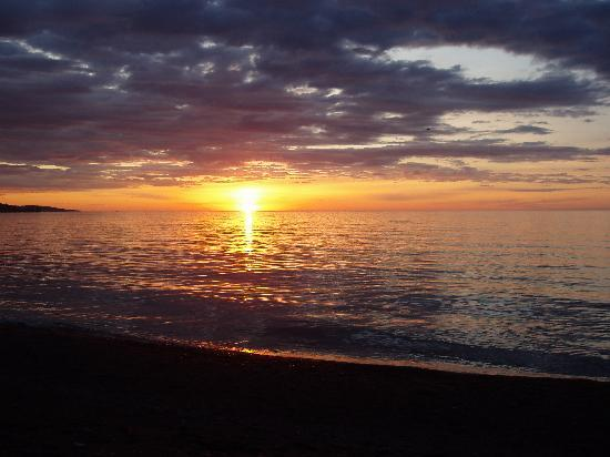 East Bay Suites: Sunrise over Lake Superior