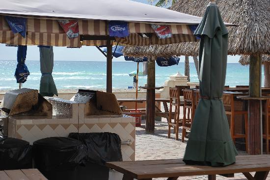 Riptide Hotel: Tiki Bar