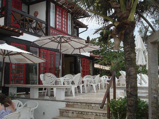 Chez Pitu Praia Hotel: Parte externa café da manhã
