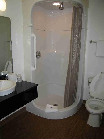 Motel 6 Denver - Airport: Room 148 - nice bathroom, but shower current smelled moldy