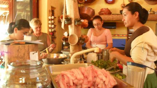 Villa Magnolia B&B: preparando la comida