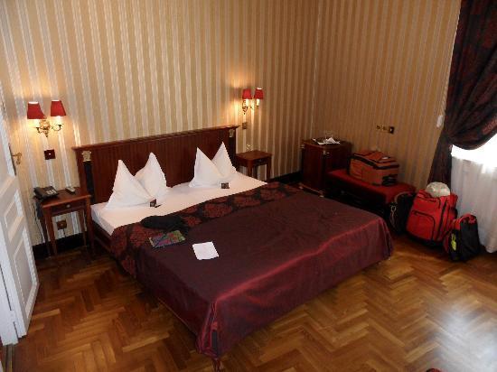เจอร์ลอคซี รูม ดีลักซ์: Generous sized bed and room