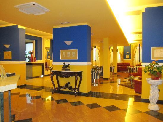 Hotel Da Vinci: Lobby de l'hotel