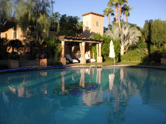 Royal Palms Resort and Spa: outdoor pool