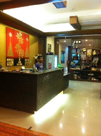 Lemongrass Hotel: Reception