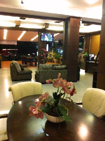Lemongrass Hotel: Lobby Area