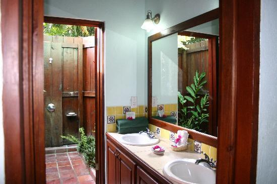 Stonefield Villa Resort: Bathroom of Ginger Lily