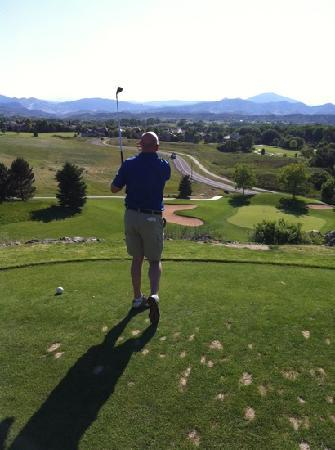 Mariana Butte Golf Course: elevated tee , short par 3