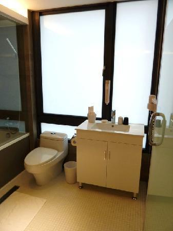 CityInn Hotel Plus - Ximending Branch: Standard room- toilet