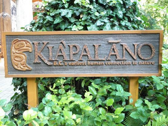 อุทยานและสะพานแขวนคาปิลาโน: Sign