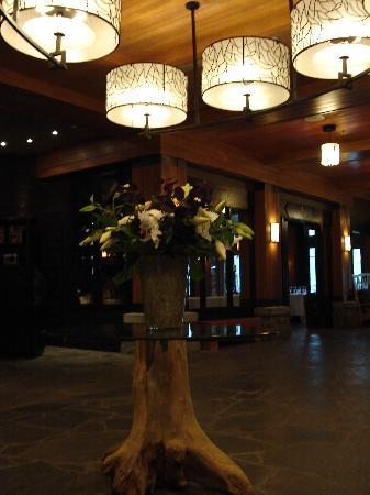 Nita Lake Lodge: Inside the lobby