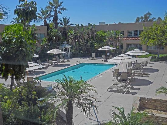 Grand Vista Hotel Pool