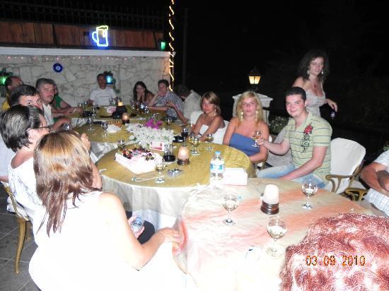 Bob Restaurant Cafe & Bar: Group