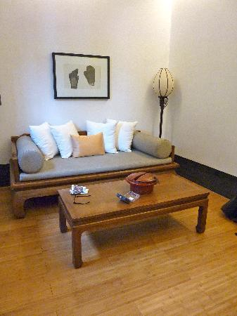 Jing's Residence: Room 505 - Sitting Area